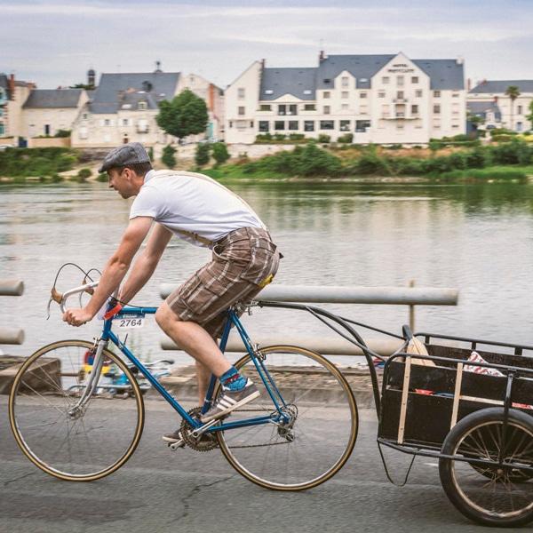 Vélo - Anjou tourisme - Gîte avec piscine - La Maison de Gabin & Augustin